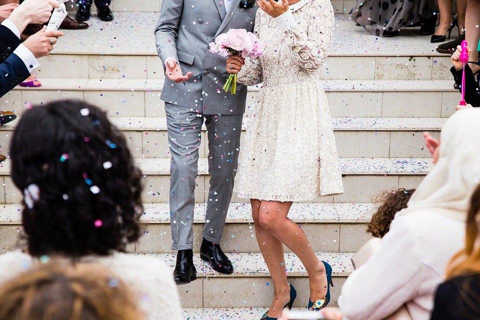 Прости идеи за сватба в центъра, които добавят красота към масата
